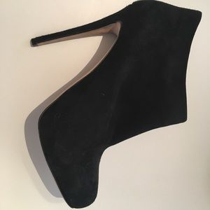 Barneys vamp high heel black suede booties